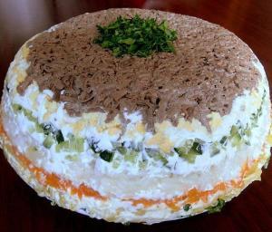 Слоёный салат с печенью