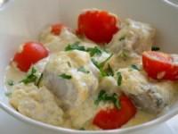 Треска, запечённая с сыром и томатами