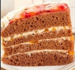 Торт Сердце с клубникой