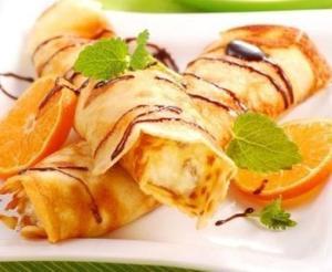 Блинчики с творожно-фруктовой начинкой