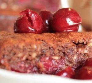 Рецепт шоколадного пирога с вишней и какао