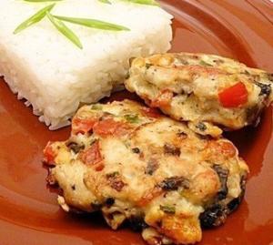 Сочные куриные котлеты с рисом