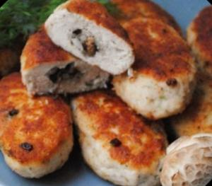 Куриные зразы с начинкой из риса и грибов