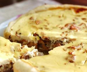 Пирог с лисичками
