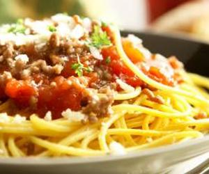 Спагетти со свиным фаршем
