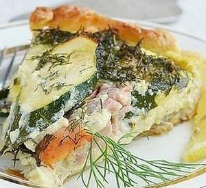 Пирог с кабачками и копченой семгой