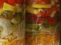 Салат на зиму овощной слоеный