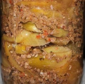 Зеленые помидоры в ореховом маринаде на зиму