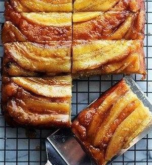 Бананово-карамельный пирог-перевертыш