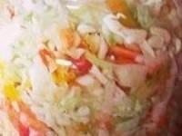 Лёгкий витаминный салат из свежей капусты на зиму